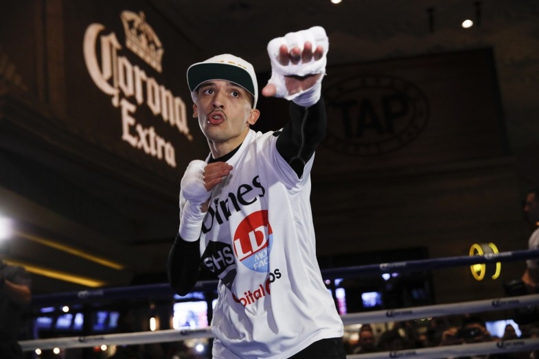 001_Lee_Selby