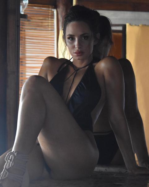 Rosie Roff nude 556