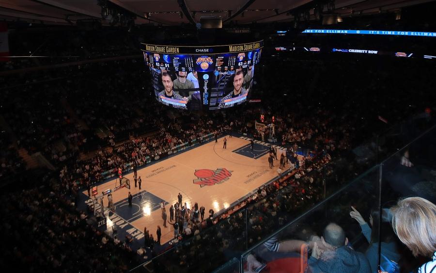 Photos Lomachenko Storms Madison Square Garden Round