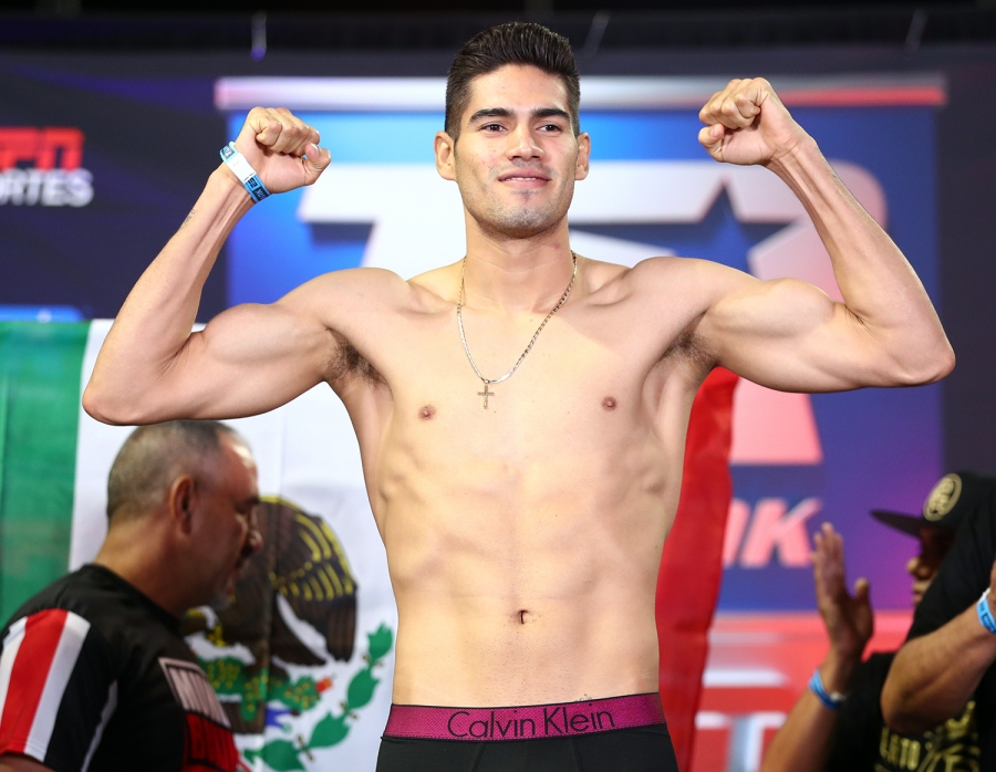 Zurdo Ramirez Signs with Golden Boy