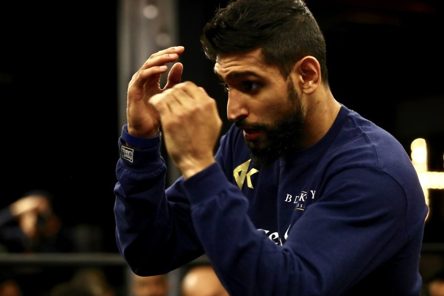 The Brit, Amir Khan, may find some success boxing early on and could potentially make things difficult for Terence Crawford in the opening rounds.